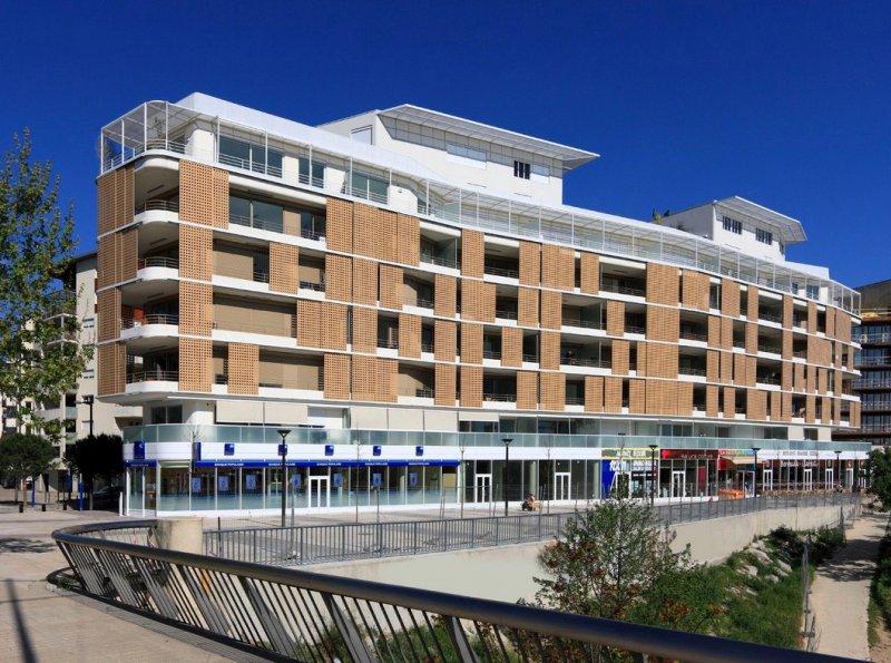 Location immobilier professionnel magnifique local au bord - Code postal montpellier port marianne ...