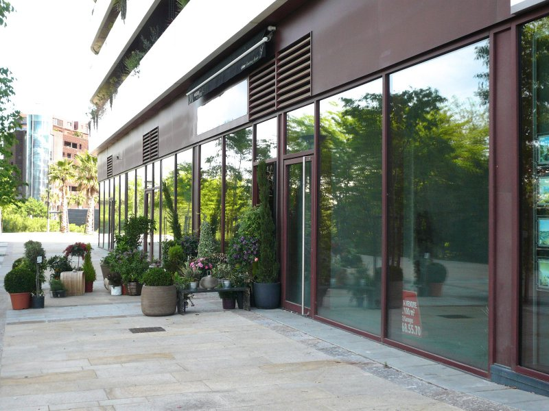 Location immobilier professionnel local traversant - Code postal port marianne montpellier ...